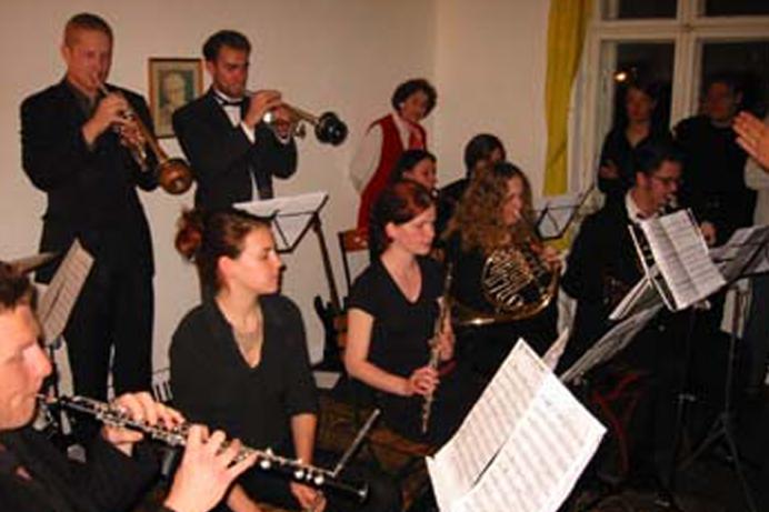 Gründungskonzert der Zentralkapelle Berlin beim Berliner Kammermusikabend 2002 in der Schönhauser Alle 39b