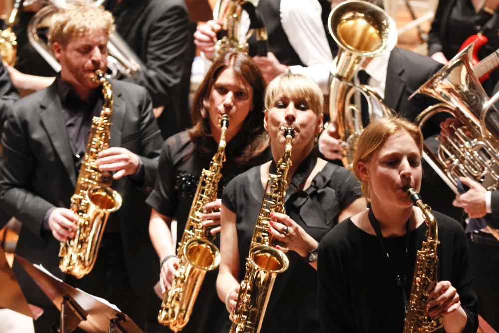 Vier Saxophone beim Konzert der Zentralkapelle Berlin, Blasorchester