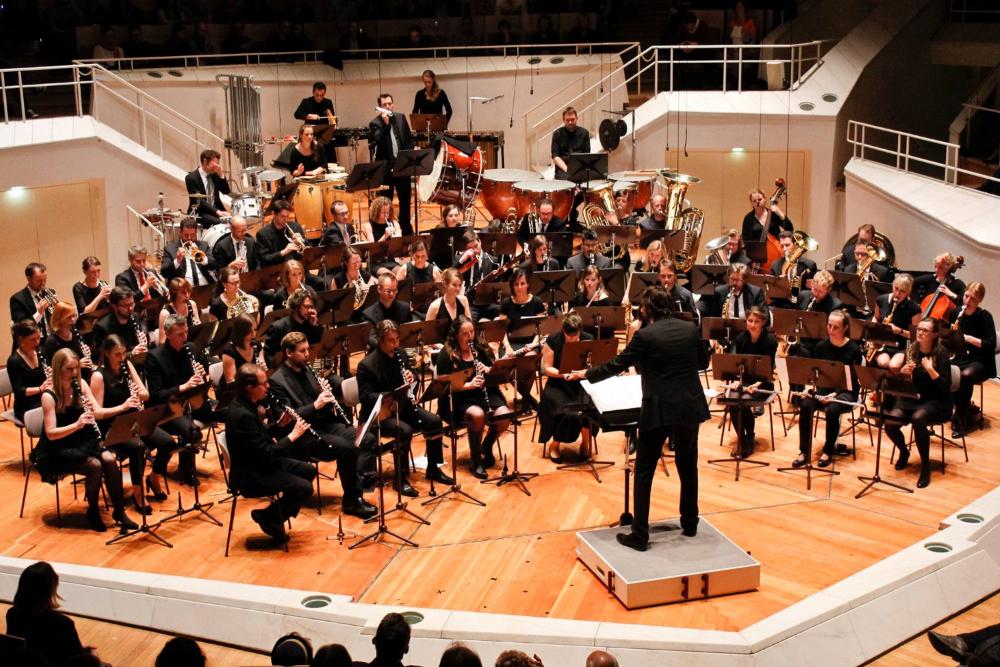 Zentralkapelle Berlin Blasorchester auf der Bühne des Kammermusiksaals der Berliner Philharmonie